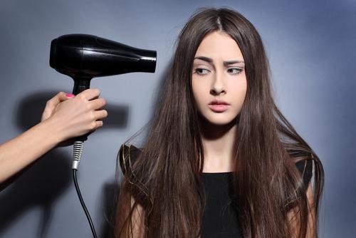 Saçlarınızı Yıpratan 7 Alışkanlık