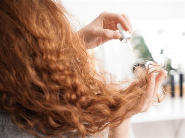 Kuru Saçlar İçin Doğal Saç Parlatıcı Tarifi